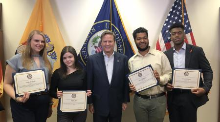 congressman-with-interns